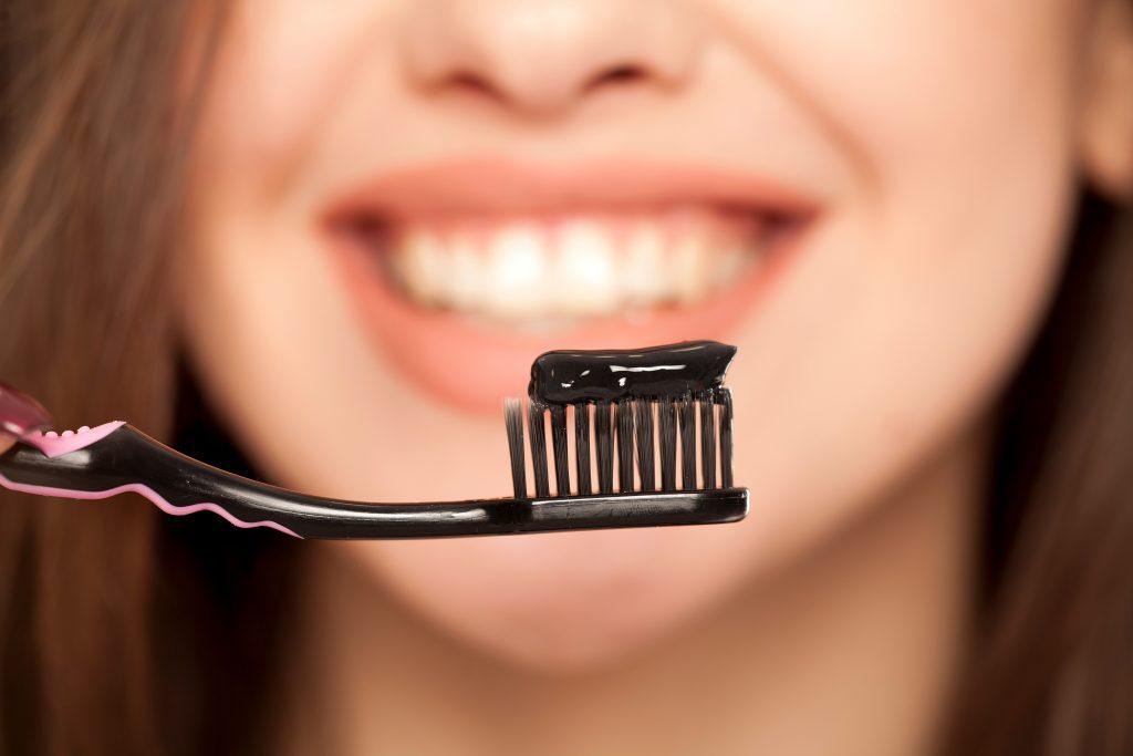 zwarte tandpasta